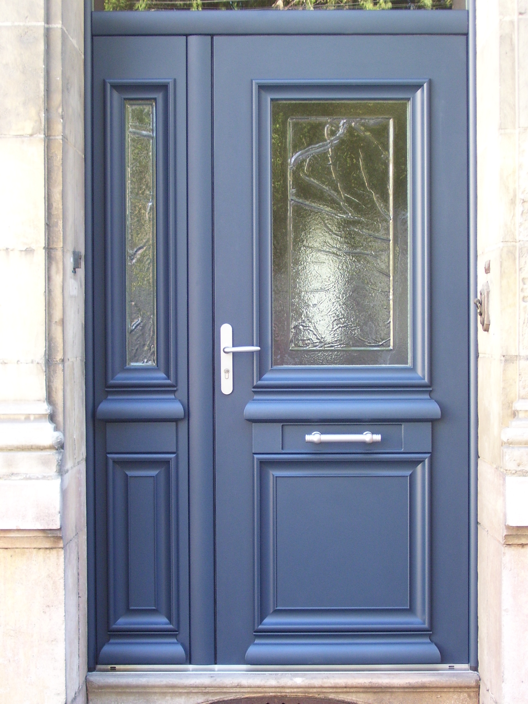 Входная синяя дверь МДФ