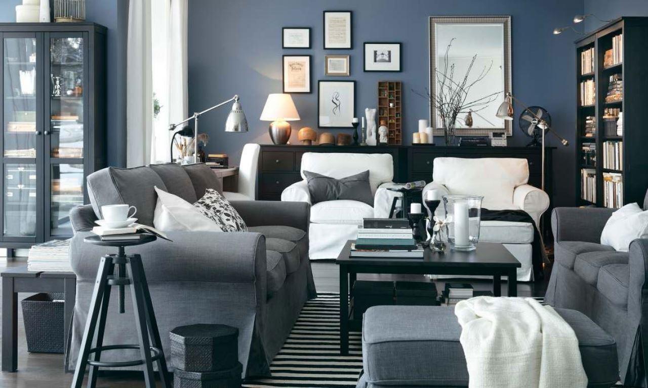 Серый диван в скандинавском стиле