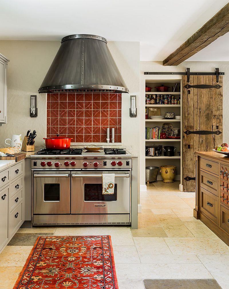 Состаренная дверь на кухню