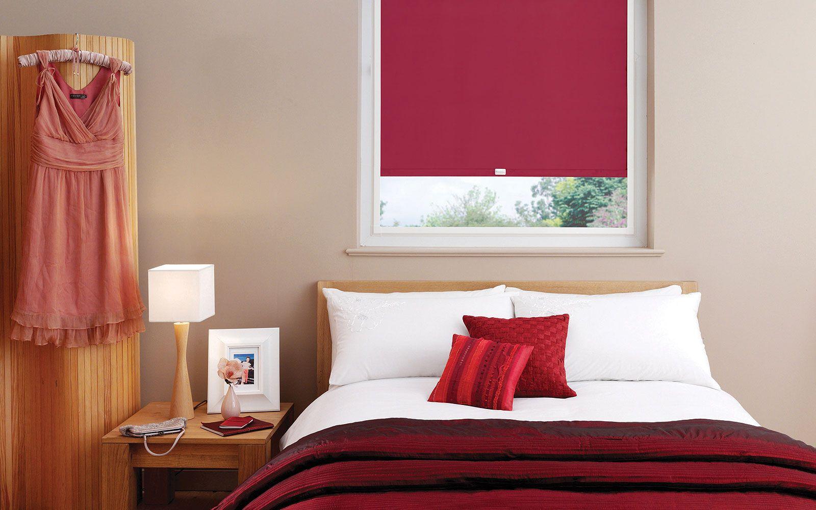 Кассетные шторы в спальне
