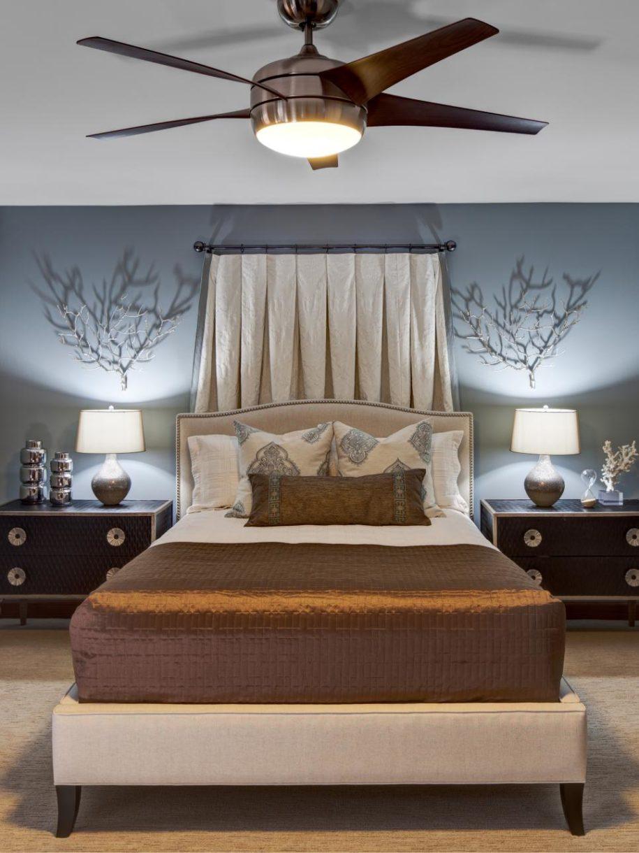 Бесшовный потолок в спальне