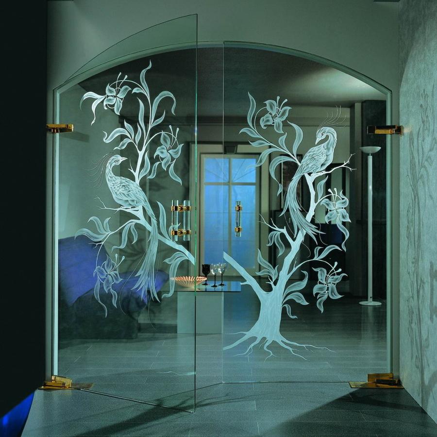 Арочная стеклянная дверь