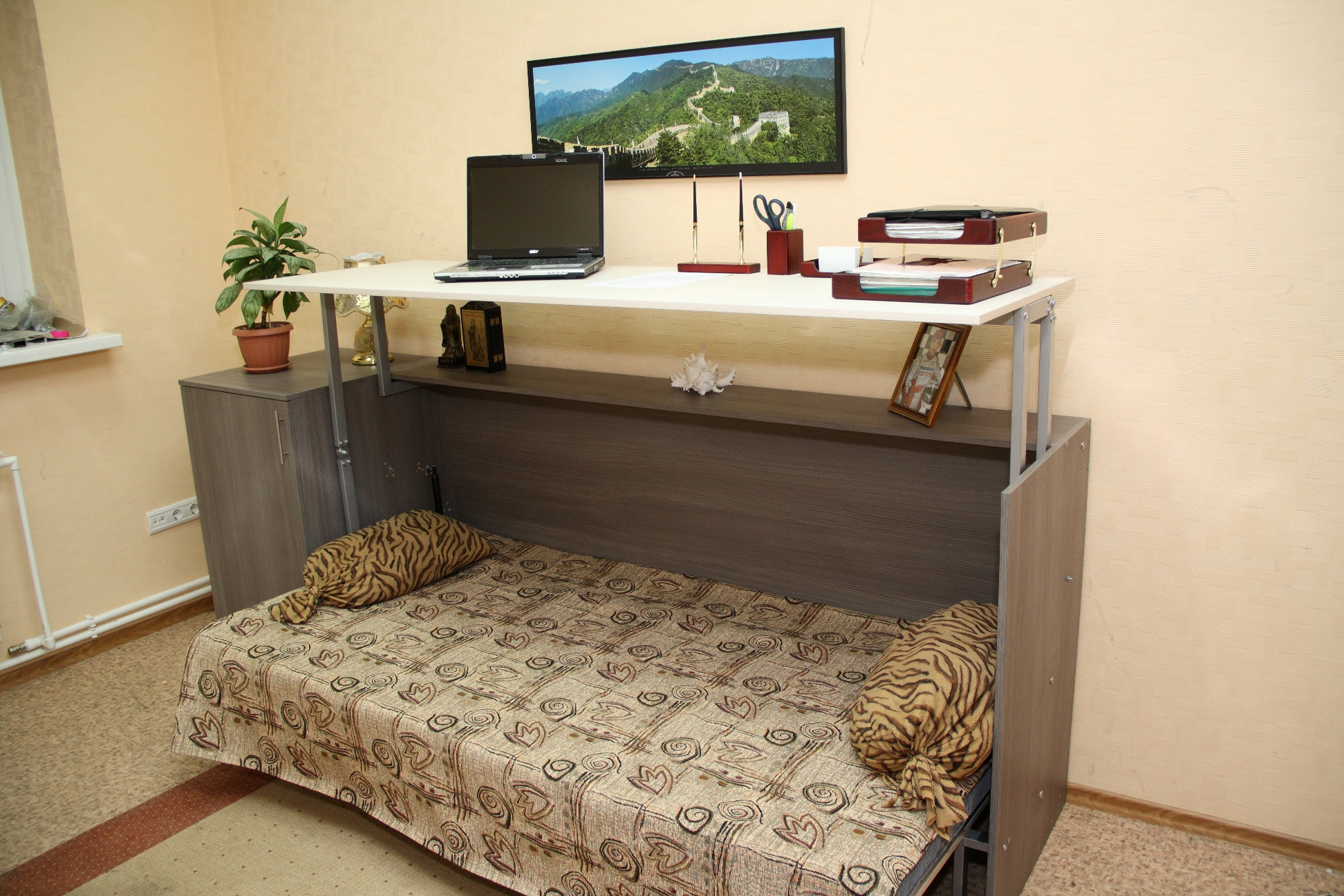 Кровать-тумба со столом