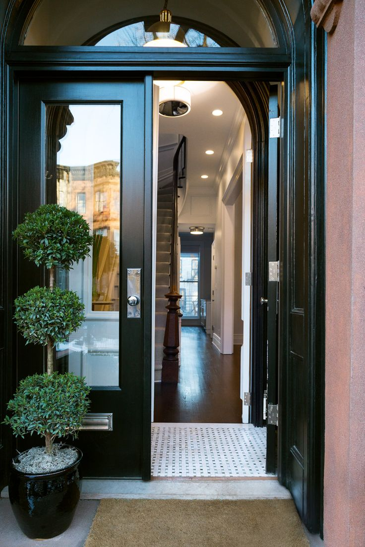 Темная дверь в стиле прованс
