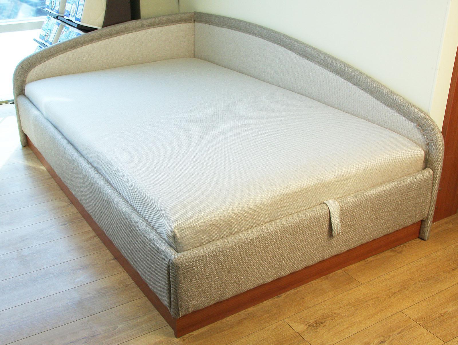 Угловая кровать тахта