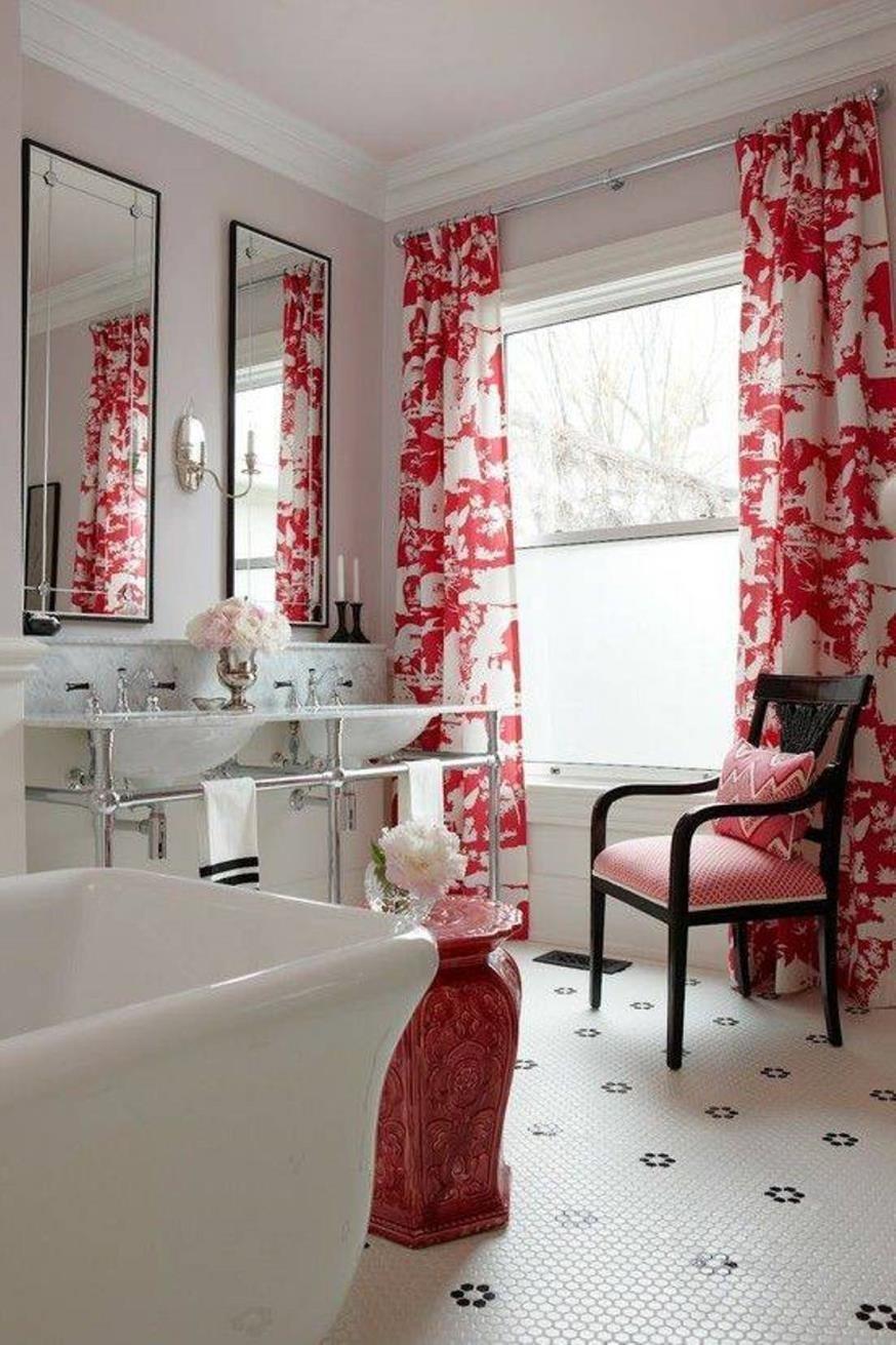 Красные шторы для ванной