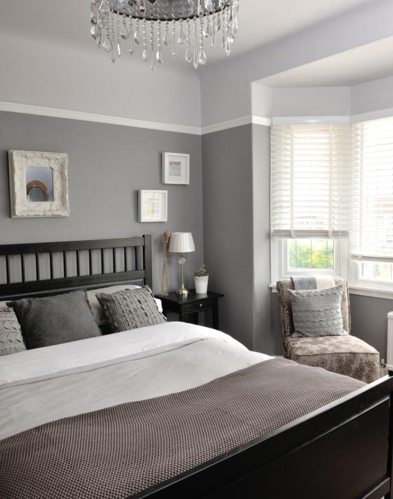 Серая спальня с мебелью венге