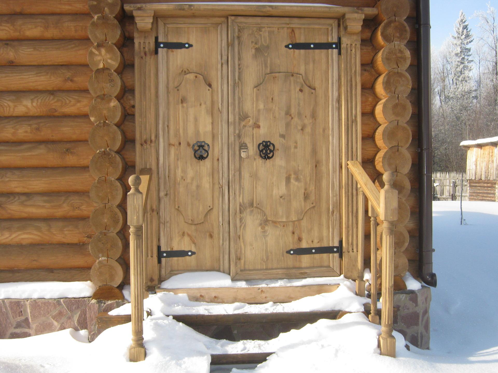 Входная дверь для бани