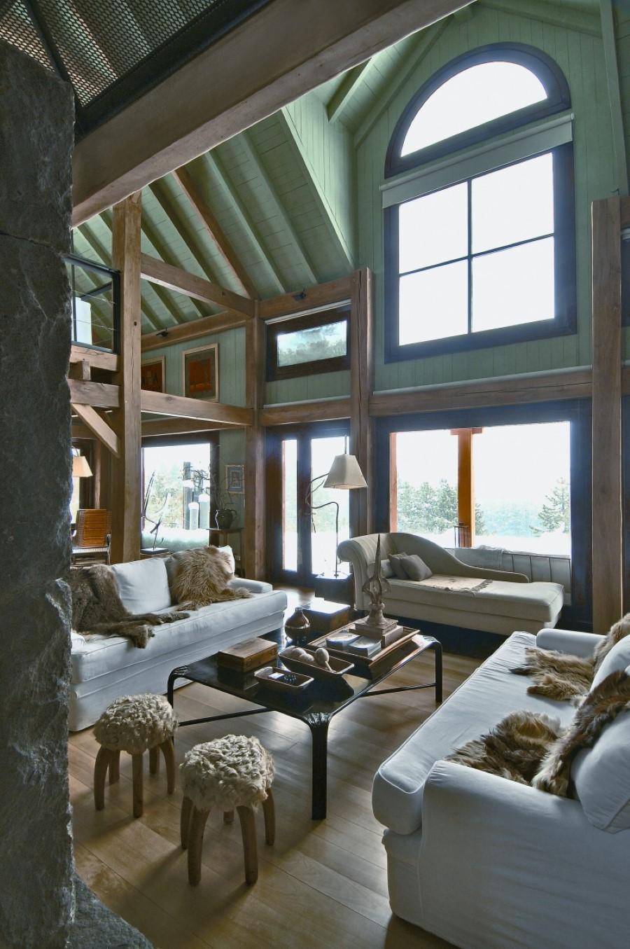 Высокий потолок на даче