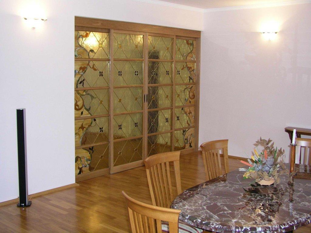 Откатная витражная дверь