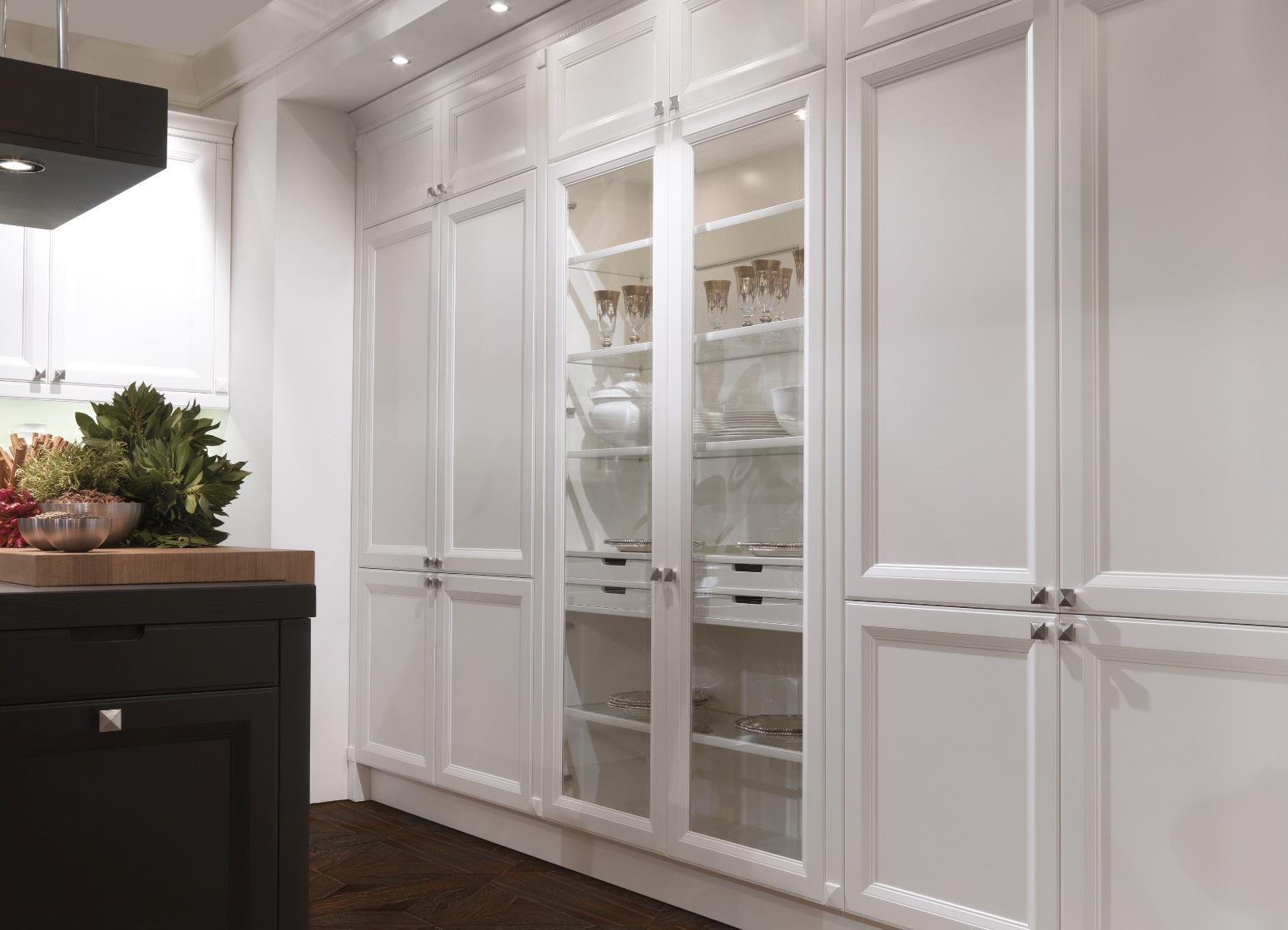 Шкаф витрина для кухни