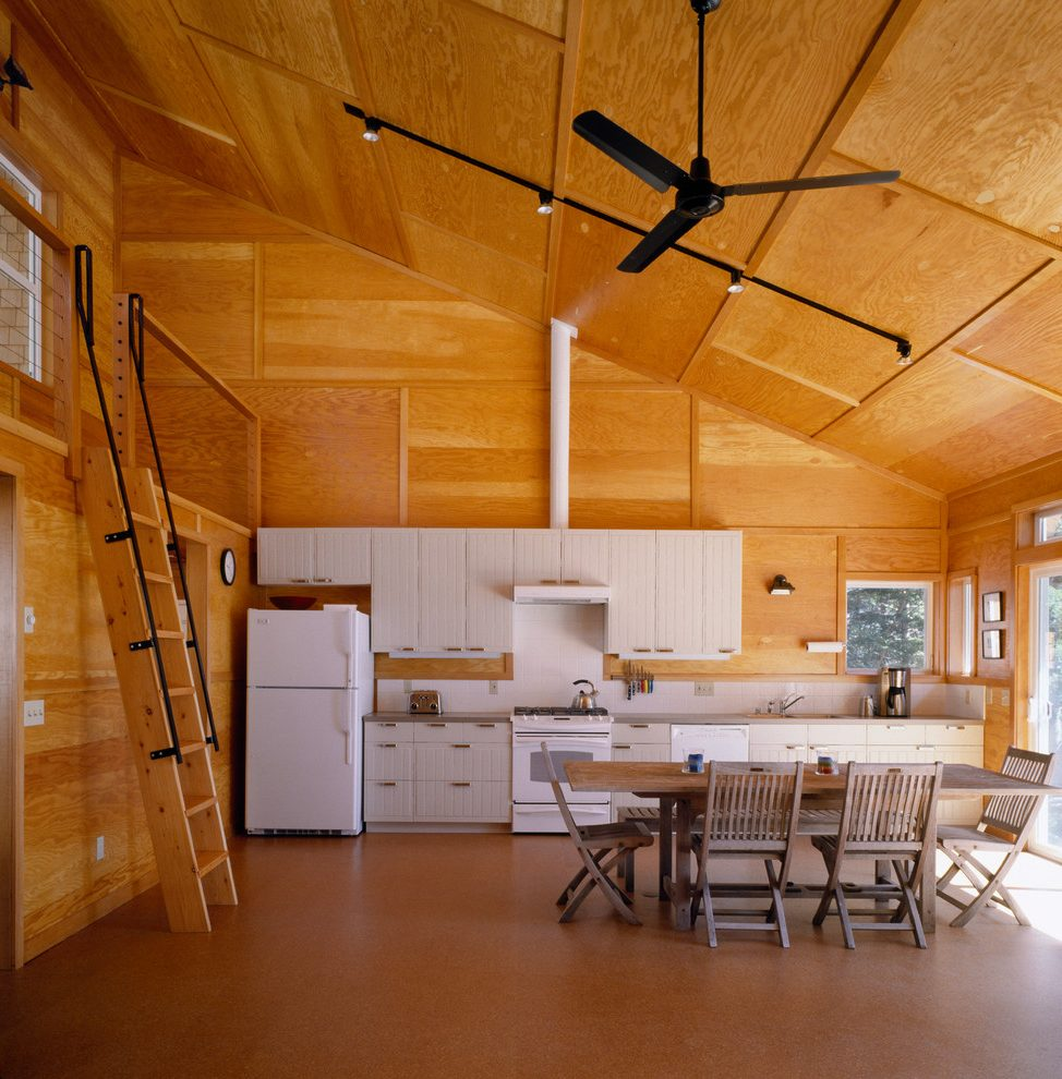Потолок из влагостойкой фанеры
