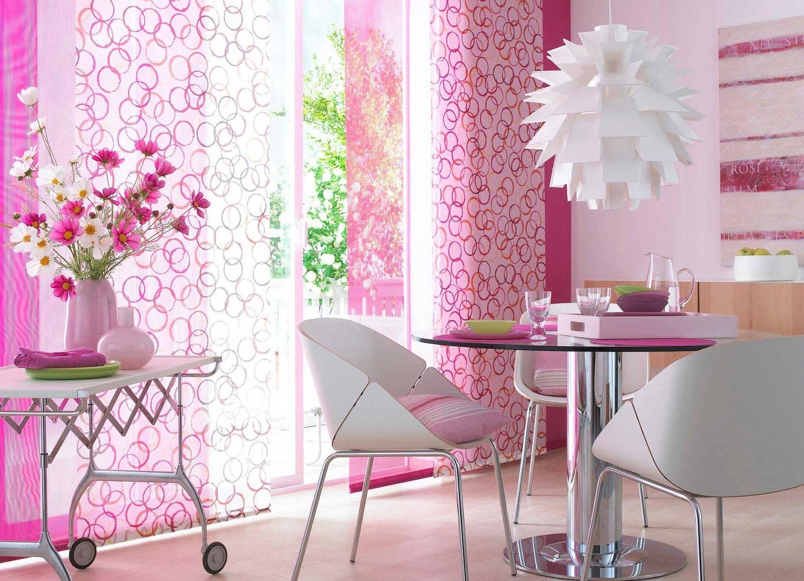 Розовые шторы в японском стиле