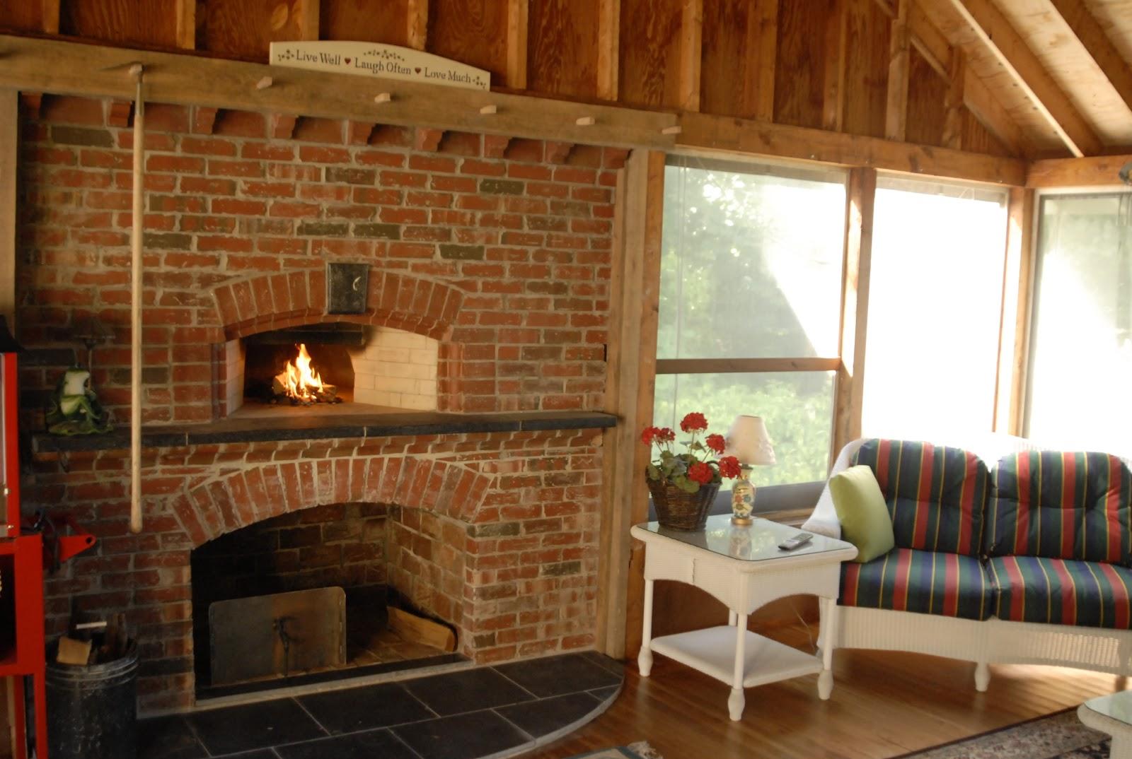 Кирпичная печь в загородном доме