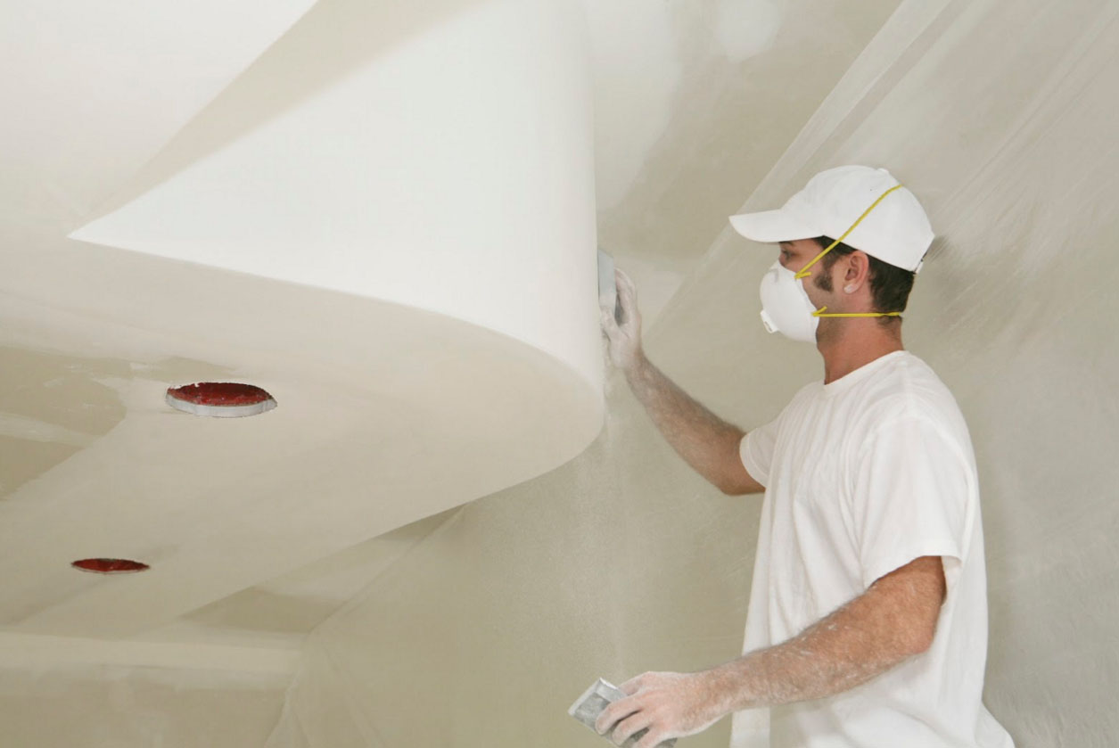Замазка трещин на потолке