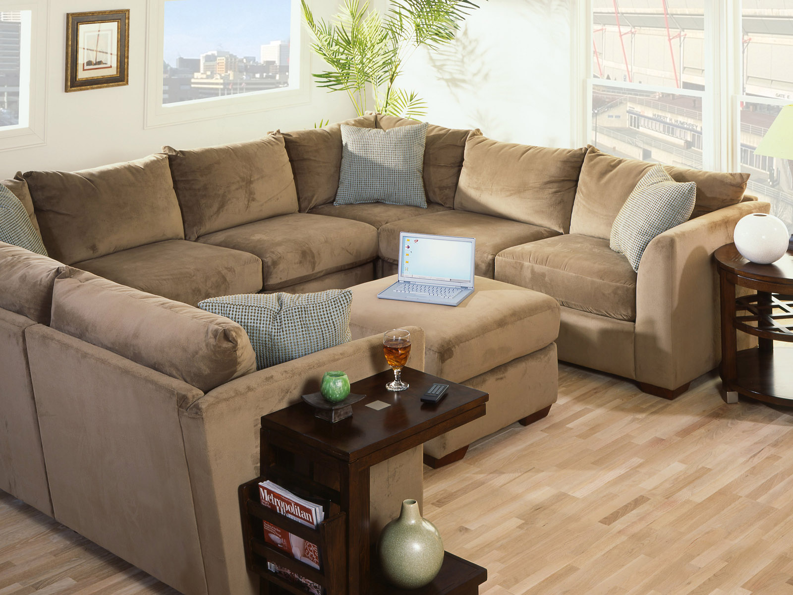 Перетяжка дивана замшей