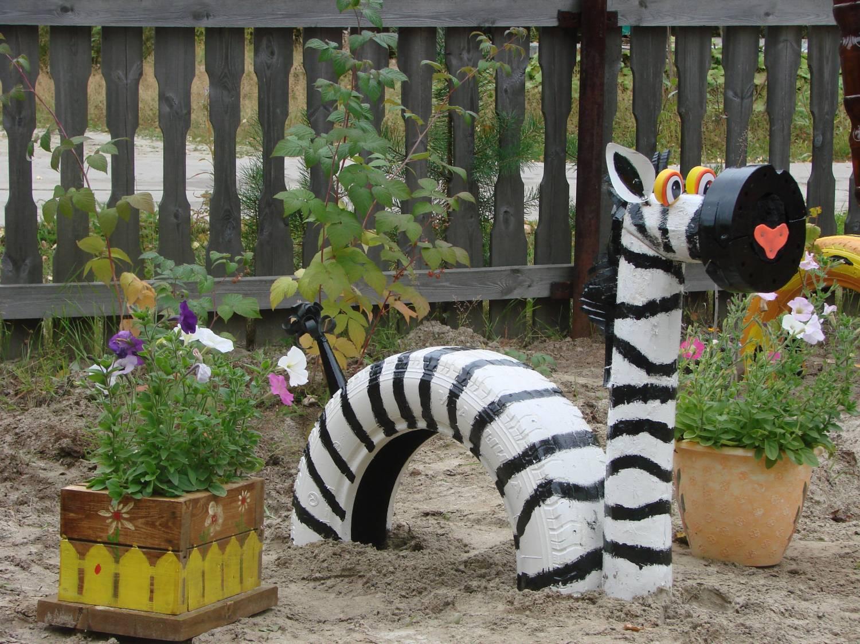 Зебра из шин для сада