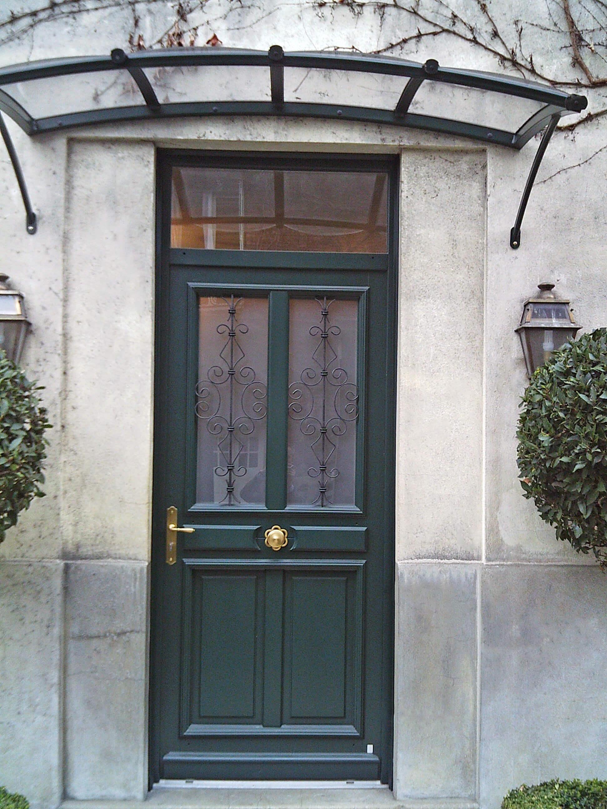 Входная зеленая дверь МДФ
