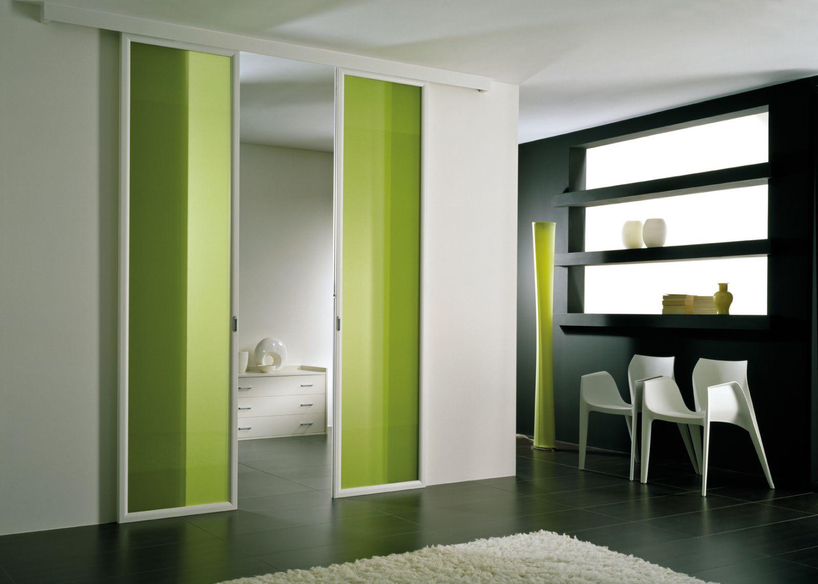 Откатная зеленая дверь