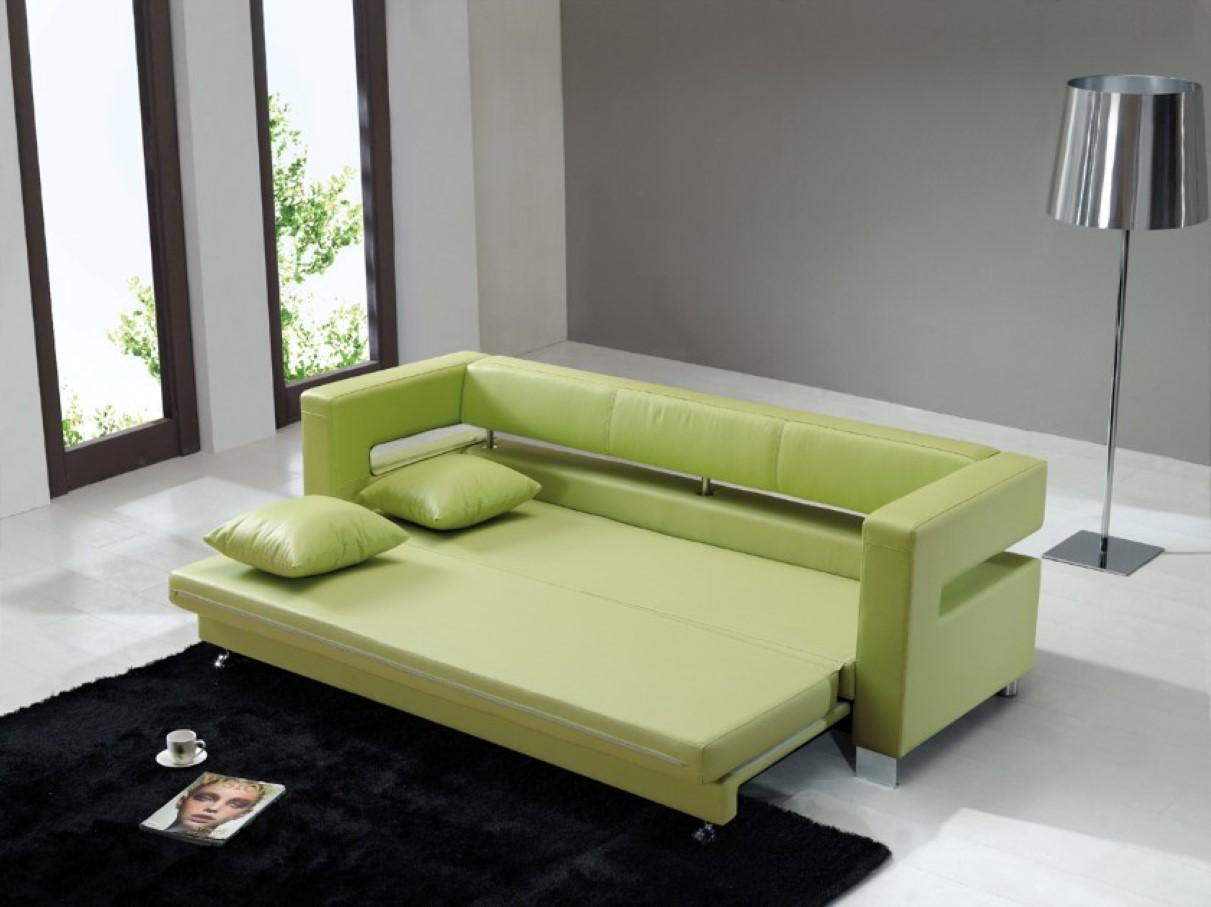 Узкий зеленый диван