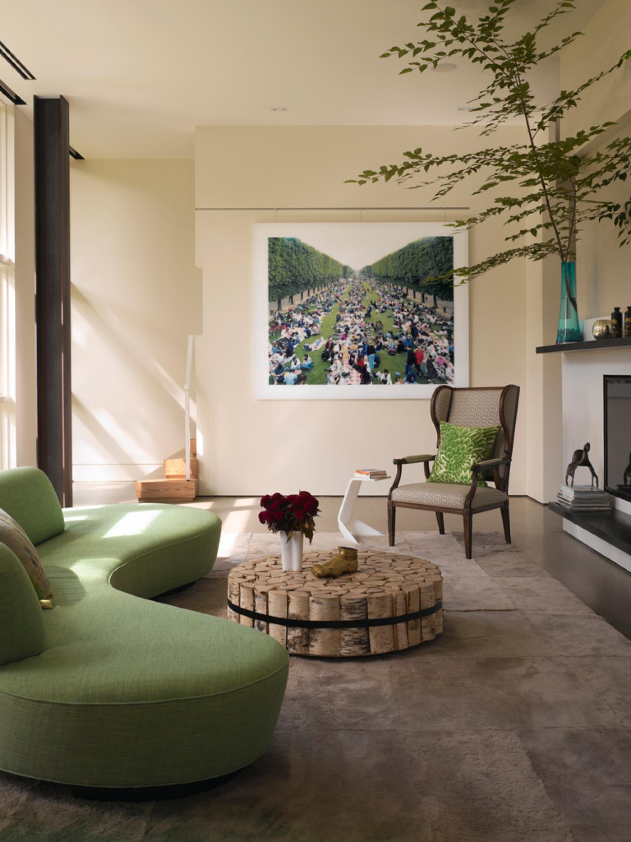Круглый зеленый диван