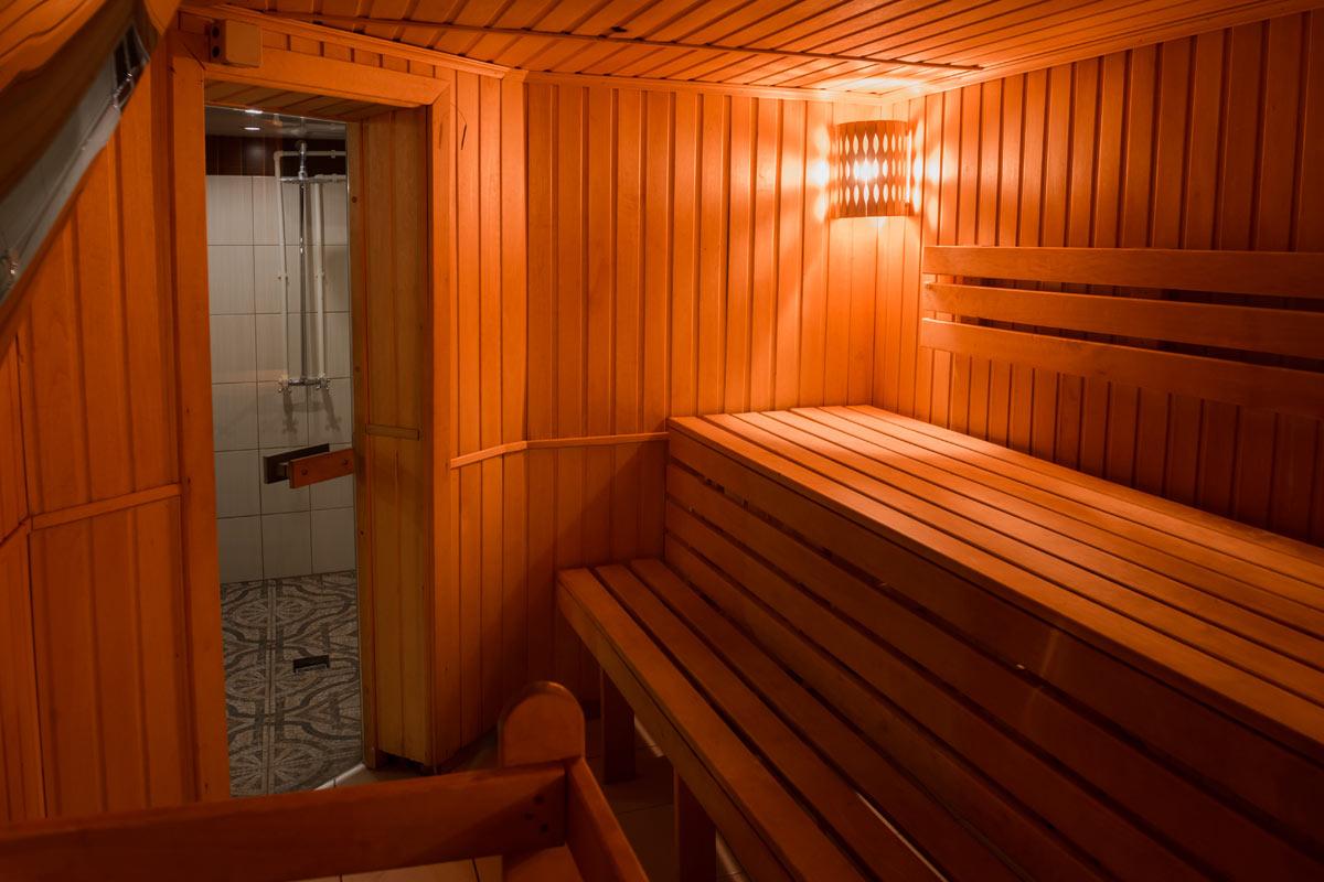 Стеклянная жаропрочная дверь для сауны