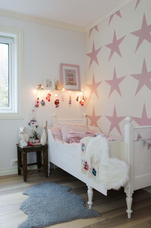Обои с розовыми звездами