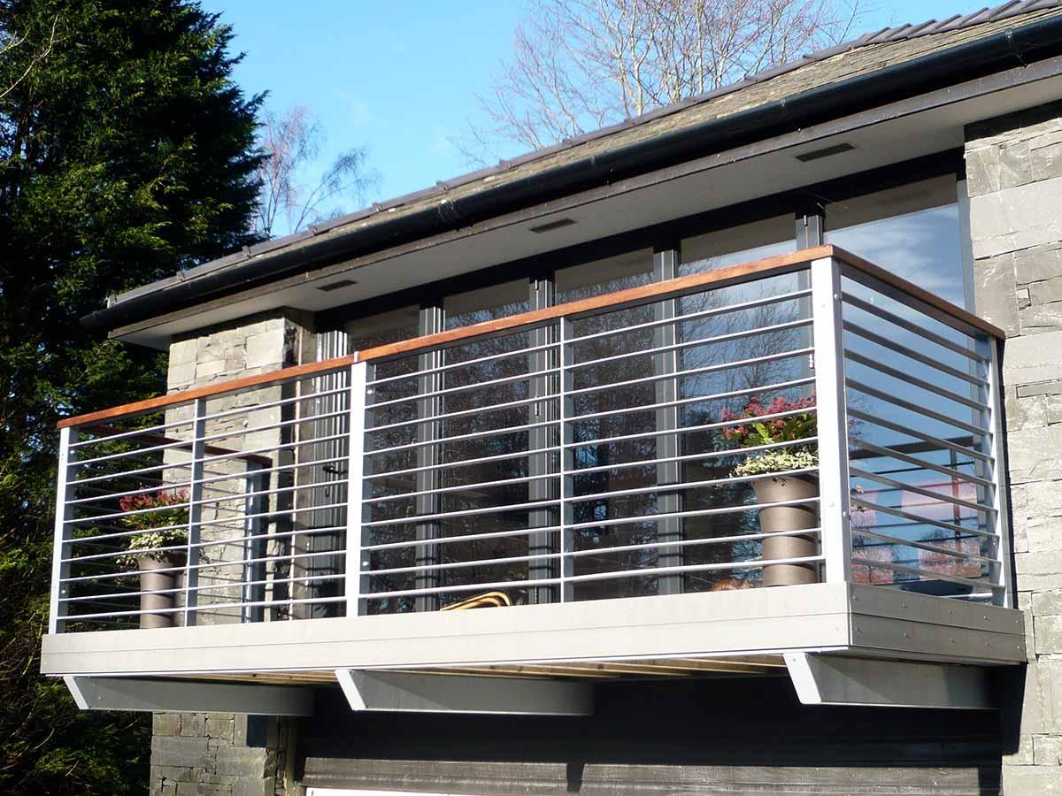 Дизайн алюминиевой балконной двери