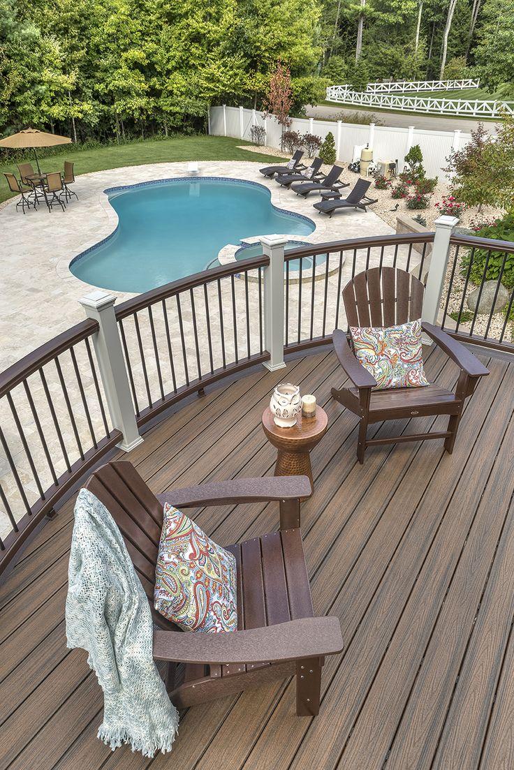 Садовый паркет на балконе