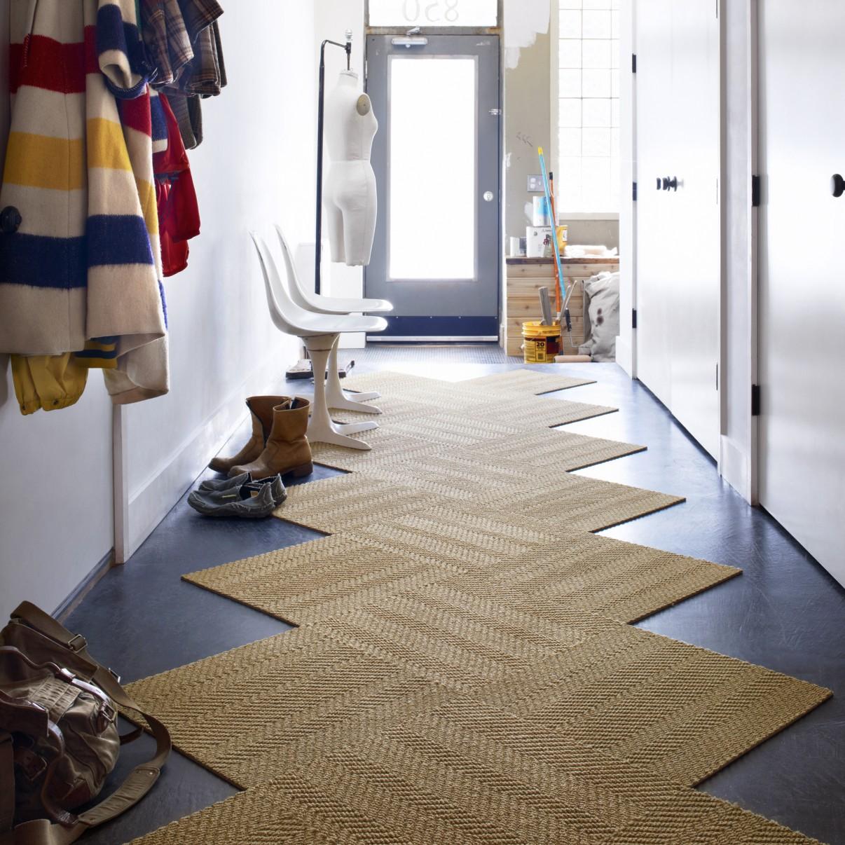 Бежевая ковровая плитка