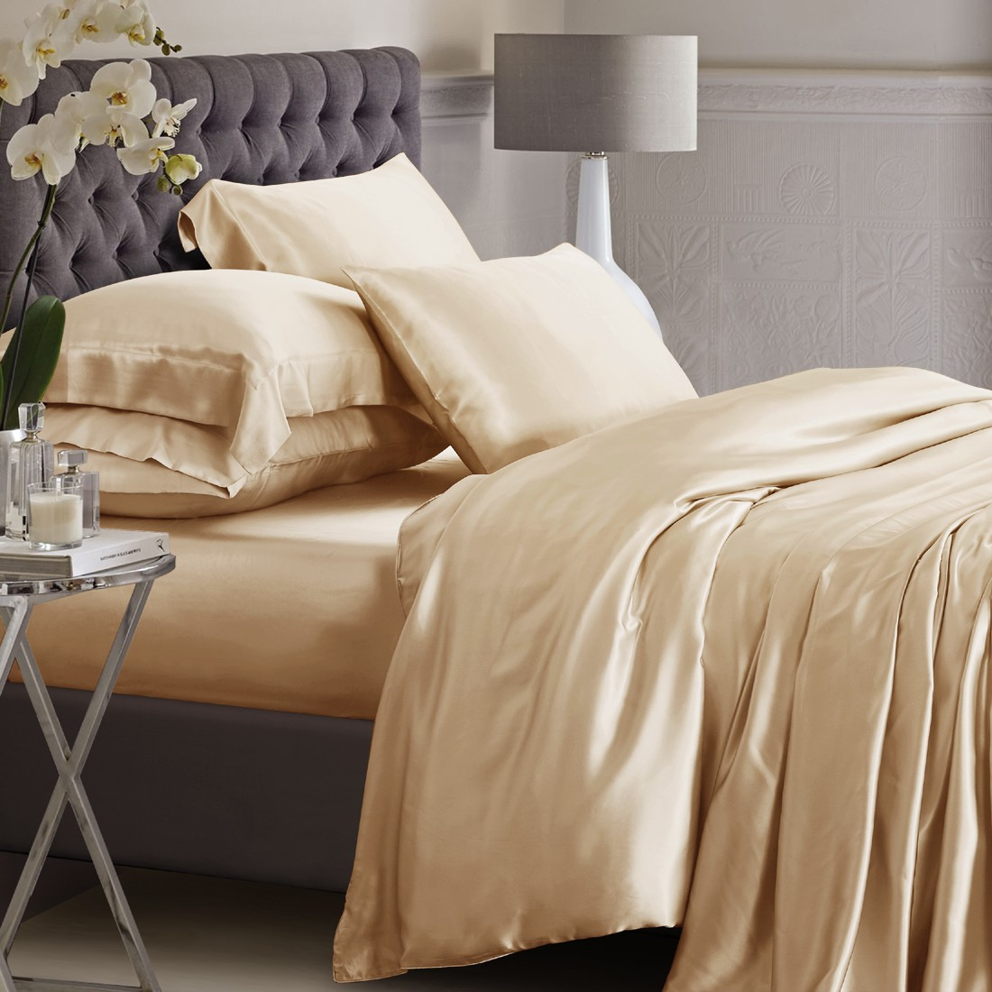 Бежевое шелковое постельное белье