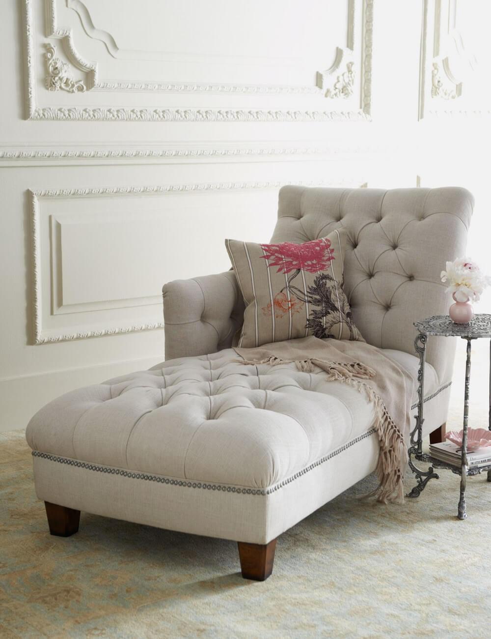 Белый диван кушетка