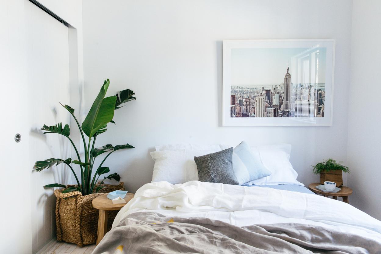 Белая спальня в хрущевке
