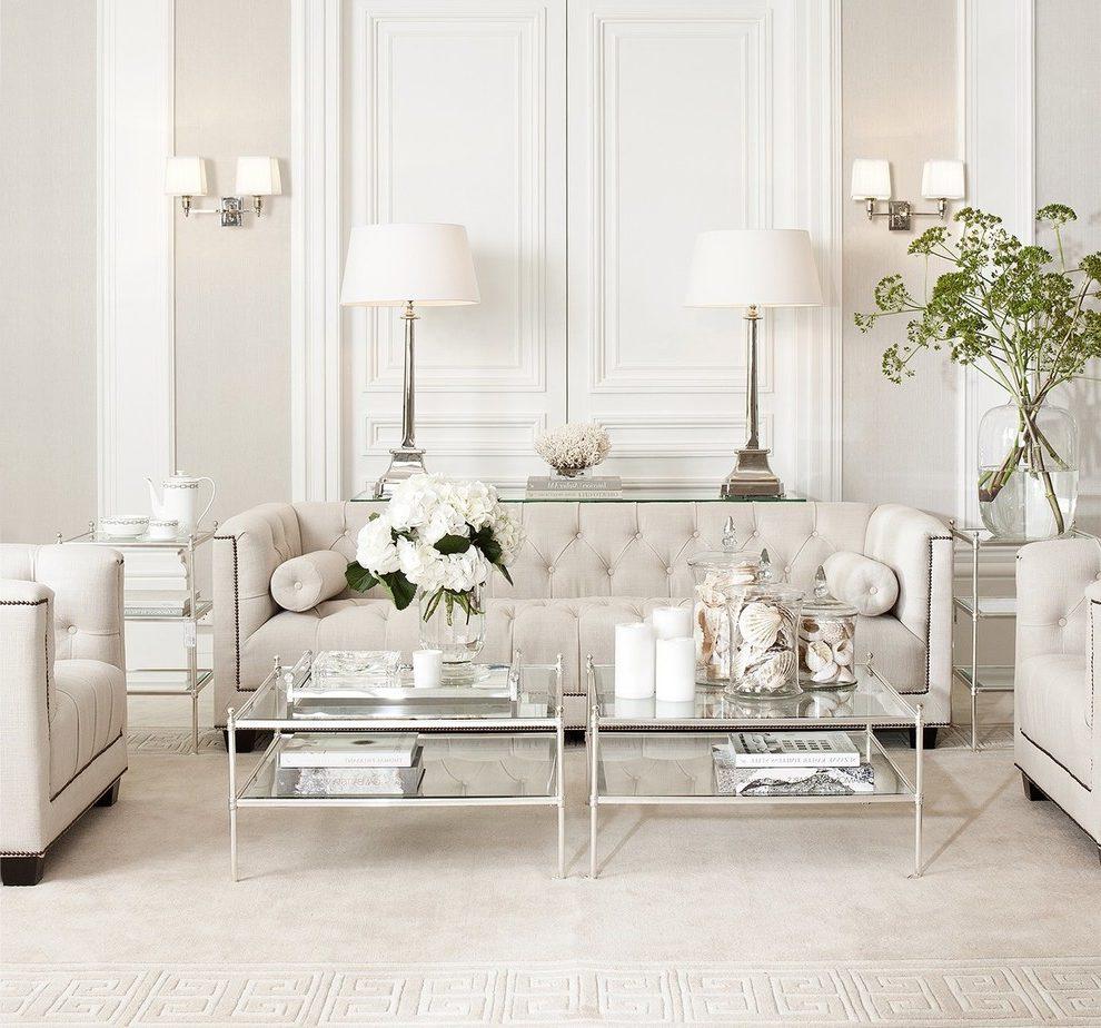 Белый диван на металлокаркасе
