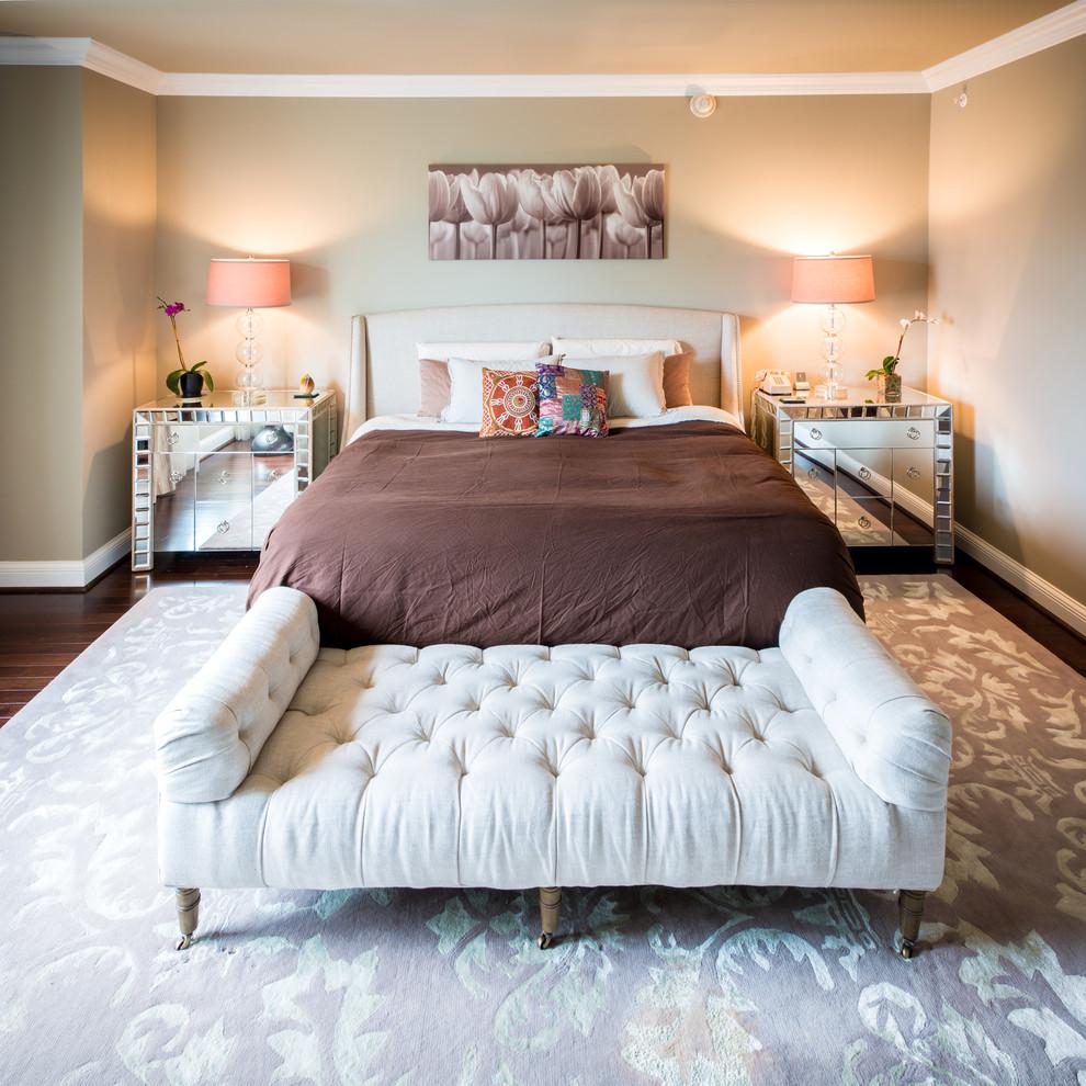 Белый диван для спальни