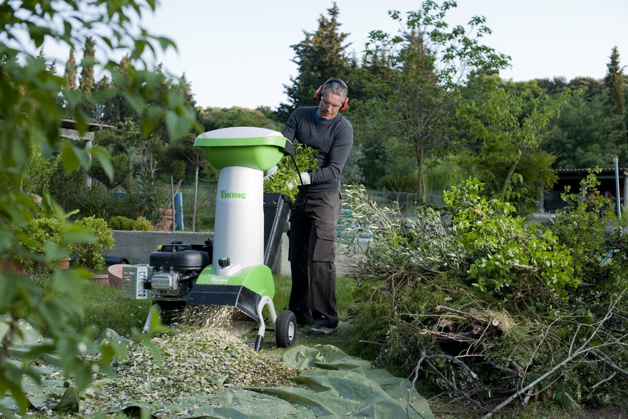 Бензиновый садовый измельчитель