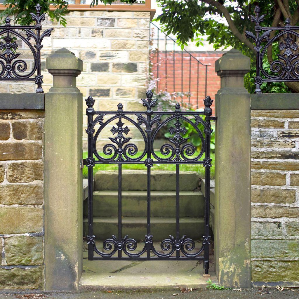 Бетонные столбы для ворот