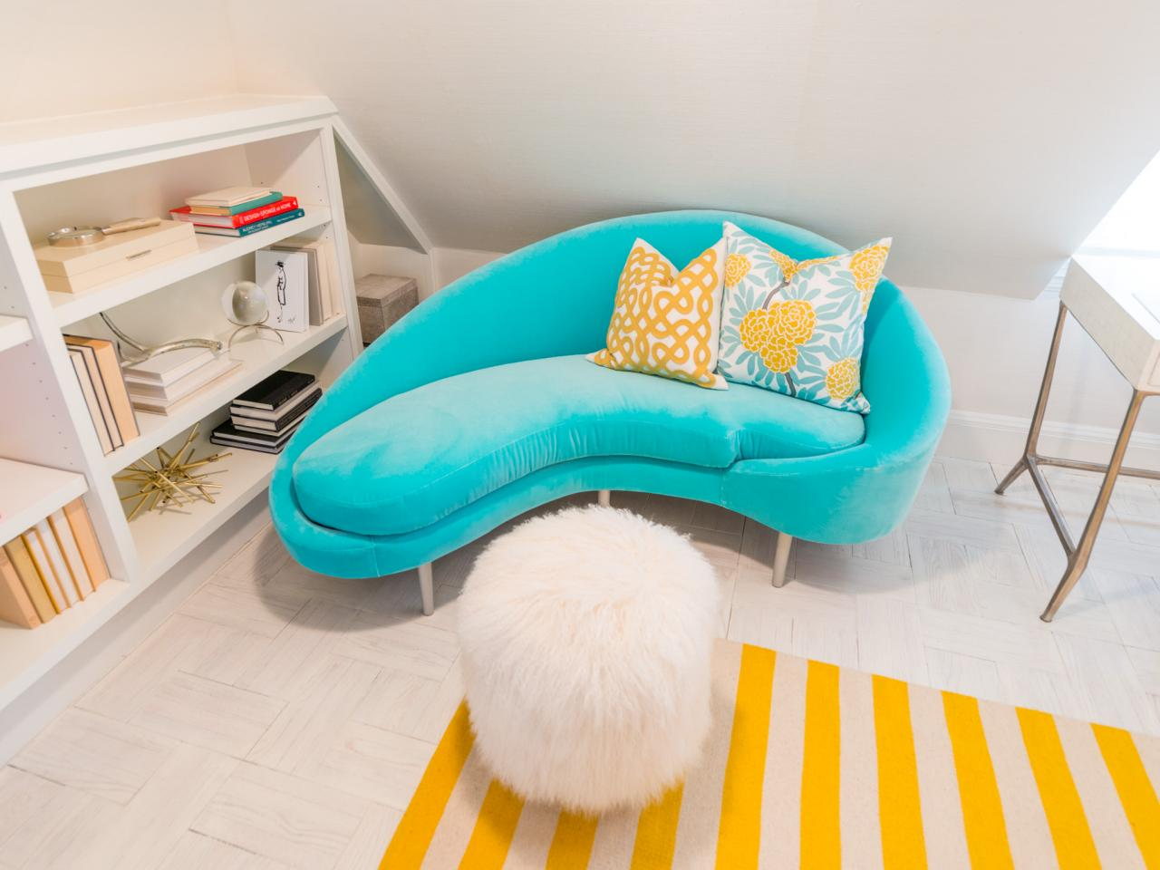 Бирюзовый диван для подростка
