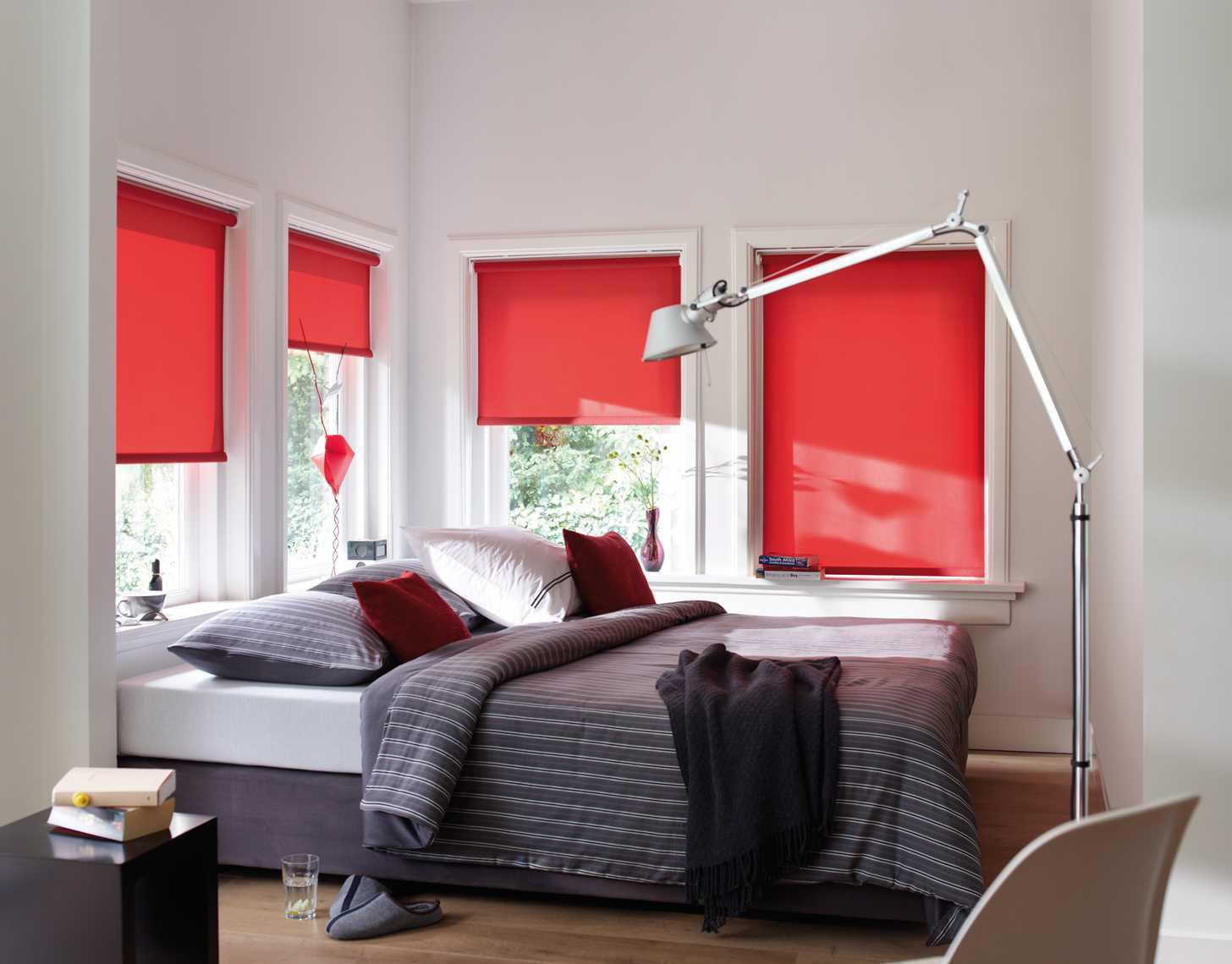 Красные шторы блэкаут