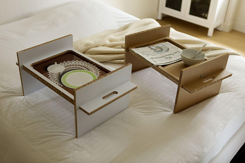 Столик для завтрака из ребристого картона