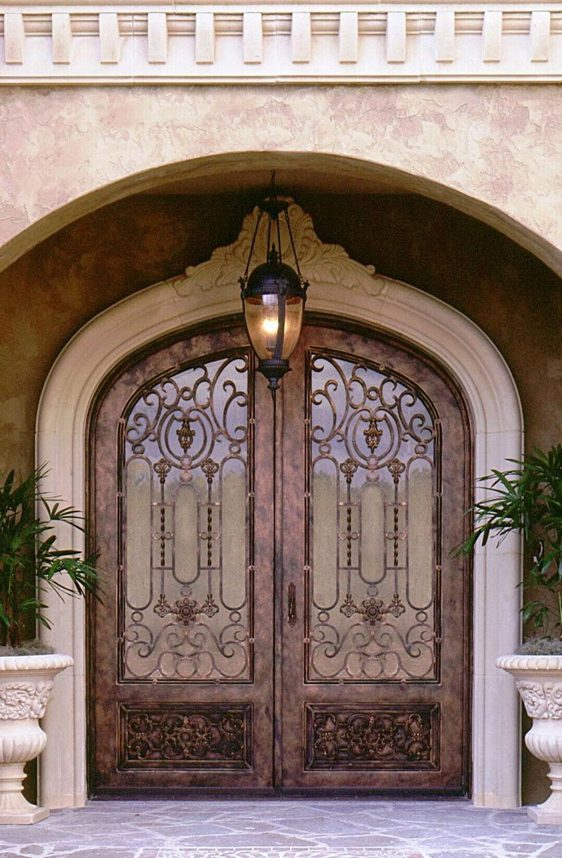 Кованая дверь под бронзу