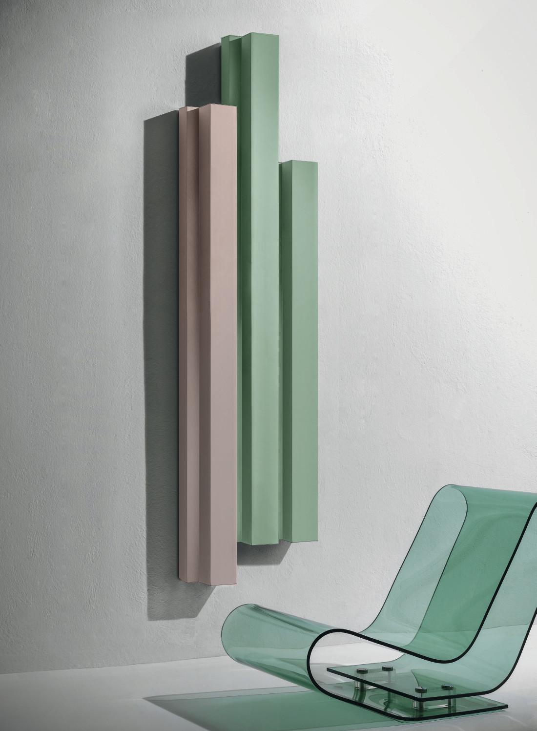 Цветной вертикальный радиатор
