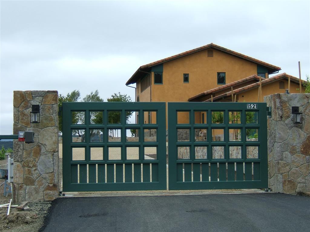 Цветные стальные ворота
