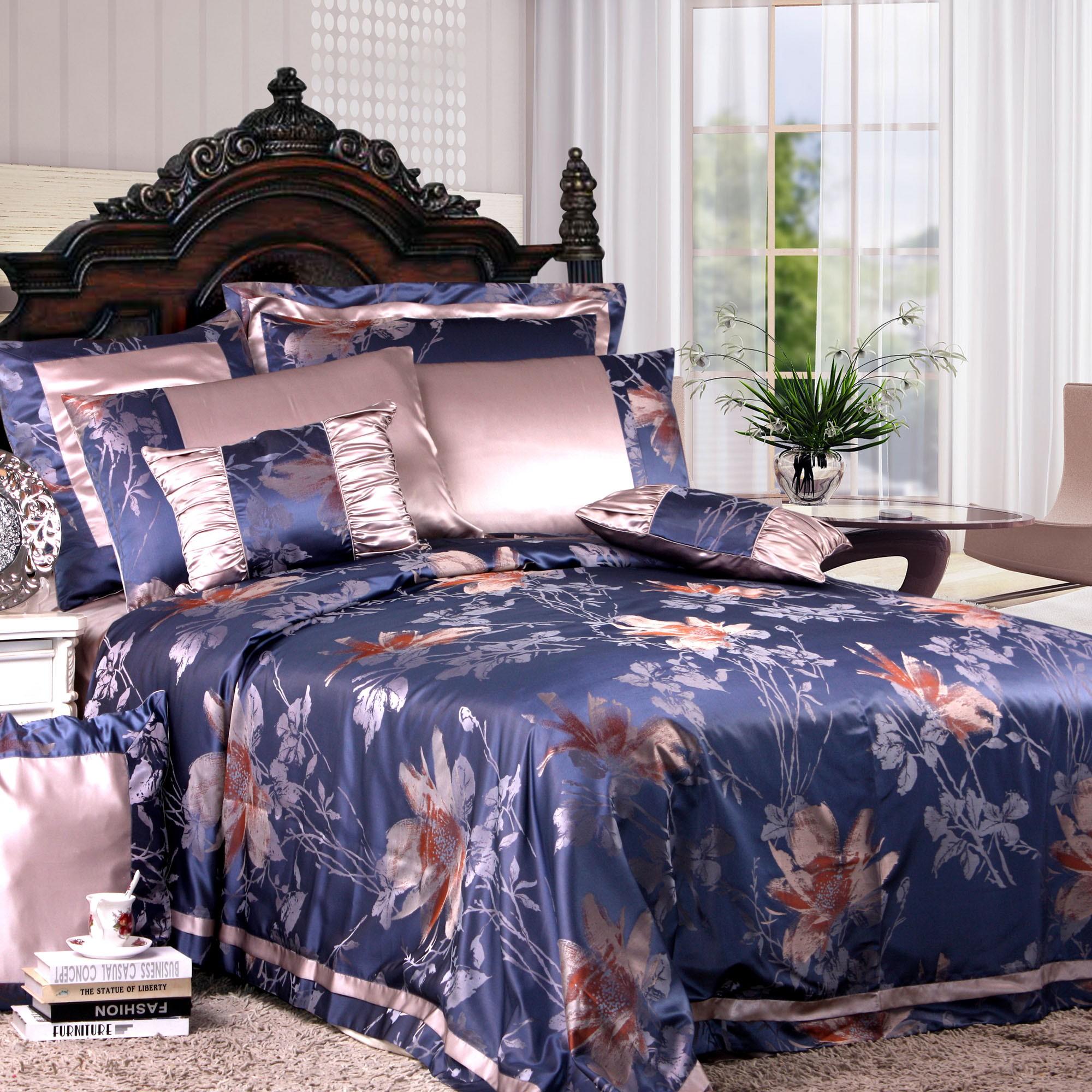 Шелковое постельное белье с цветами