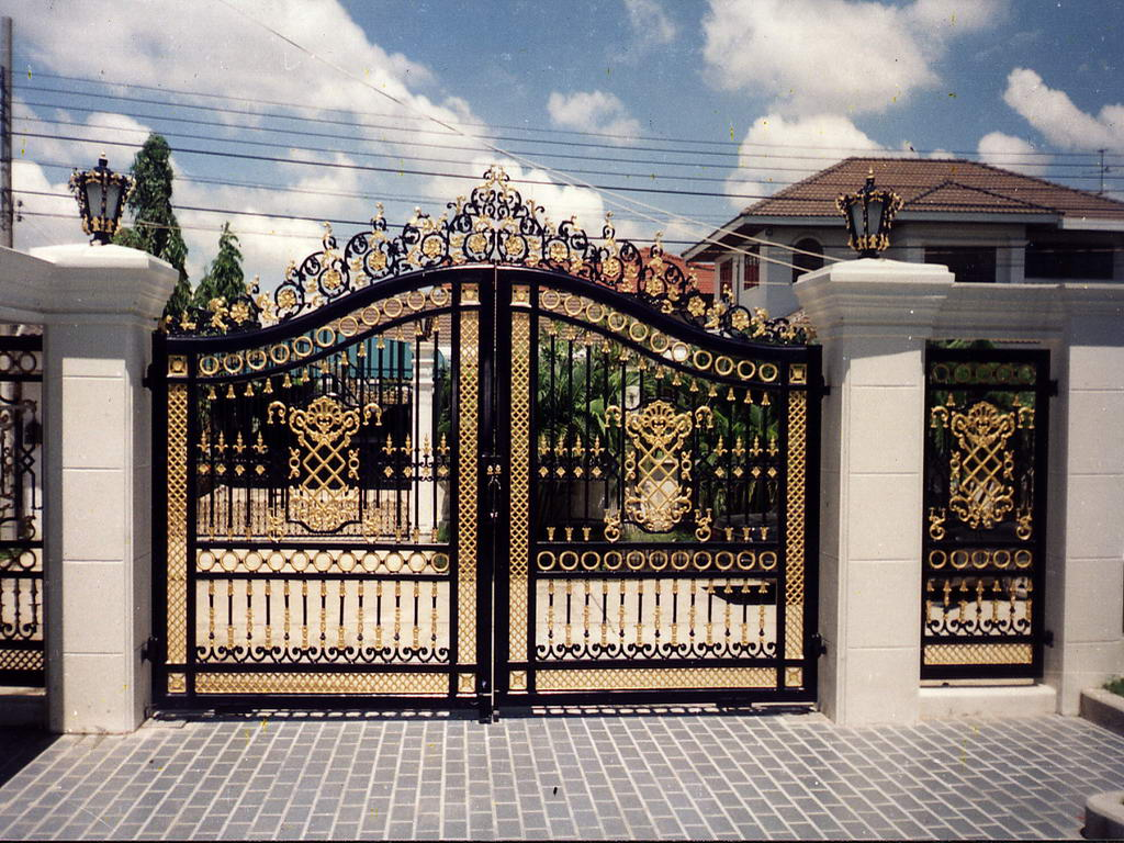 Ворота для дачи с декором