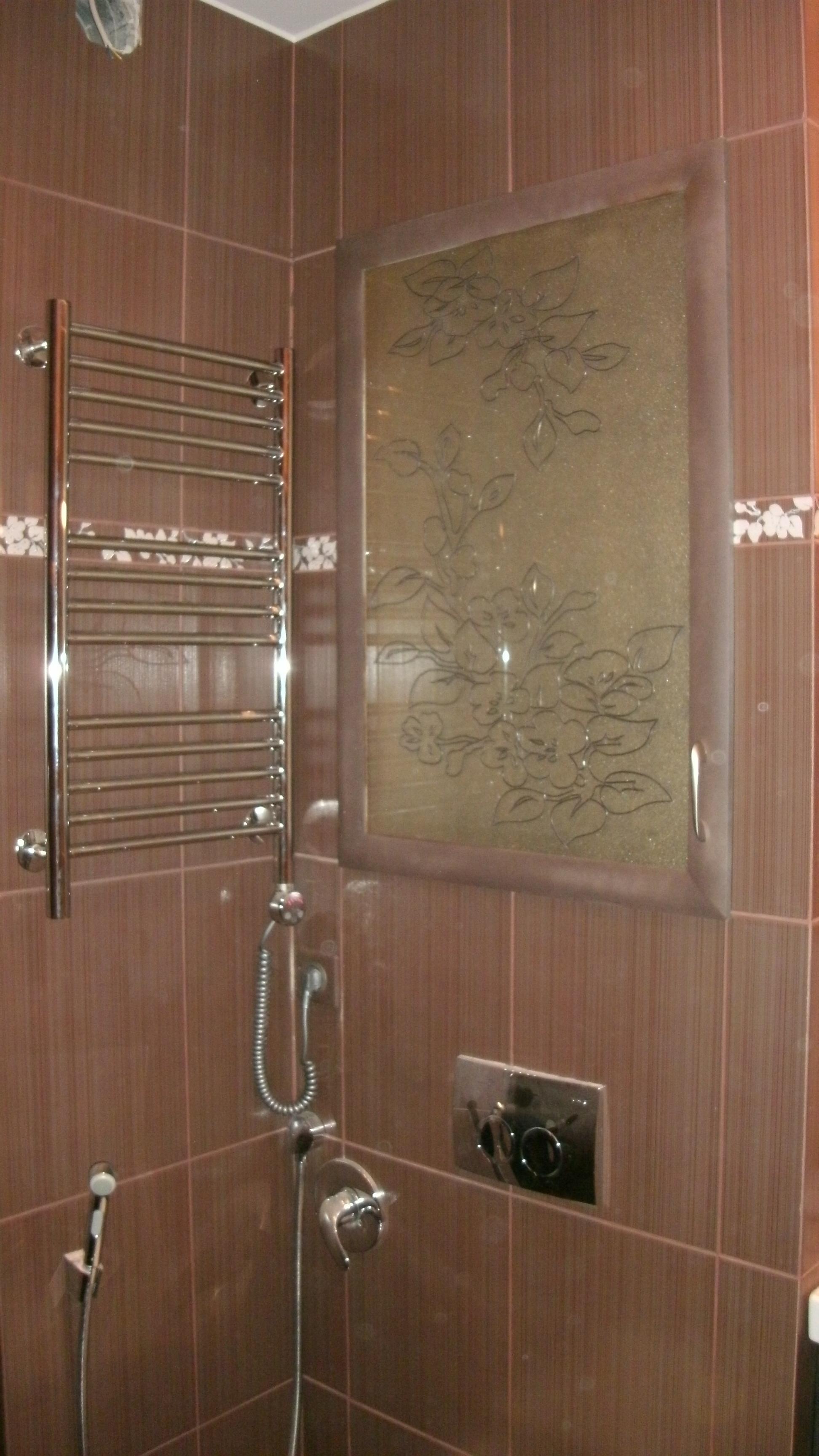 Декоративный сантехнический люк