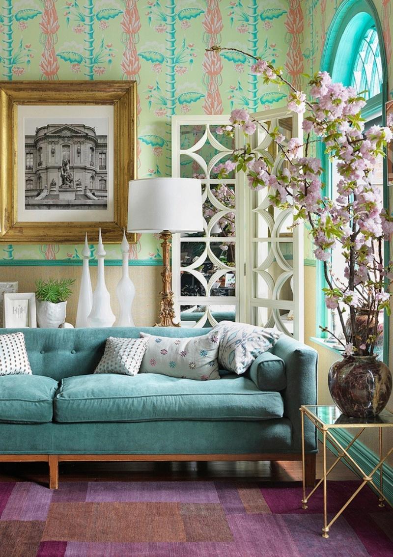 Бирюзовый деревянный диван