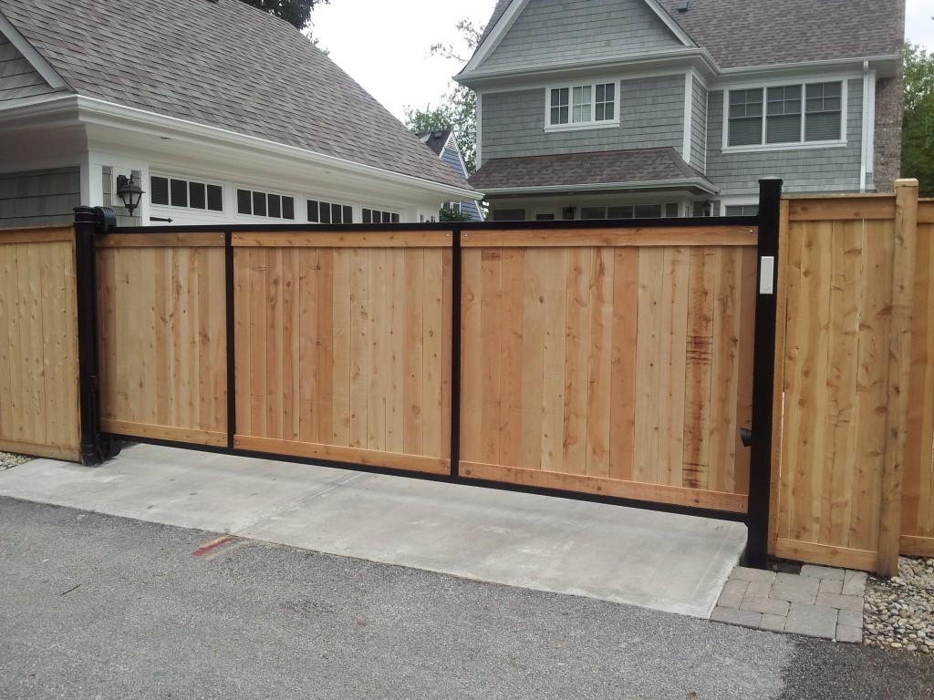 Подъемные деревянные ворота