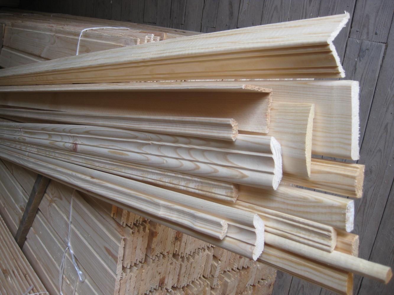 Рамка из деревянного плинтуса