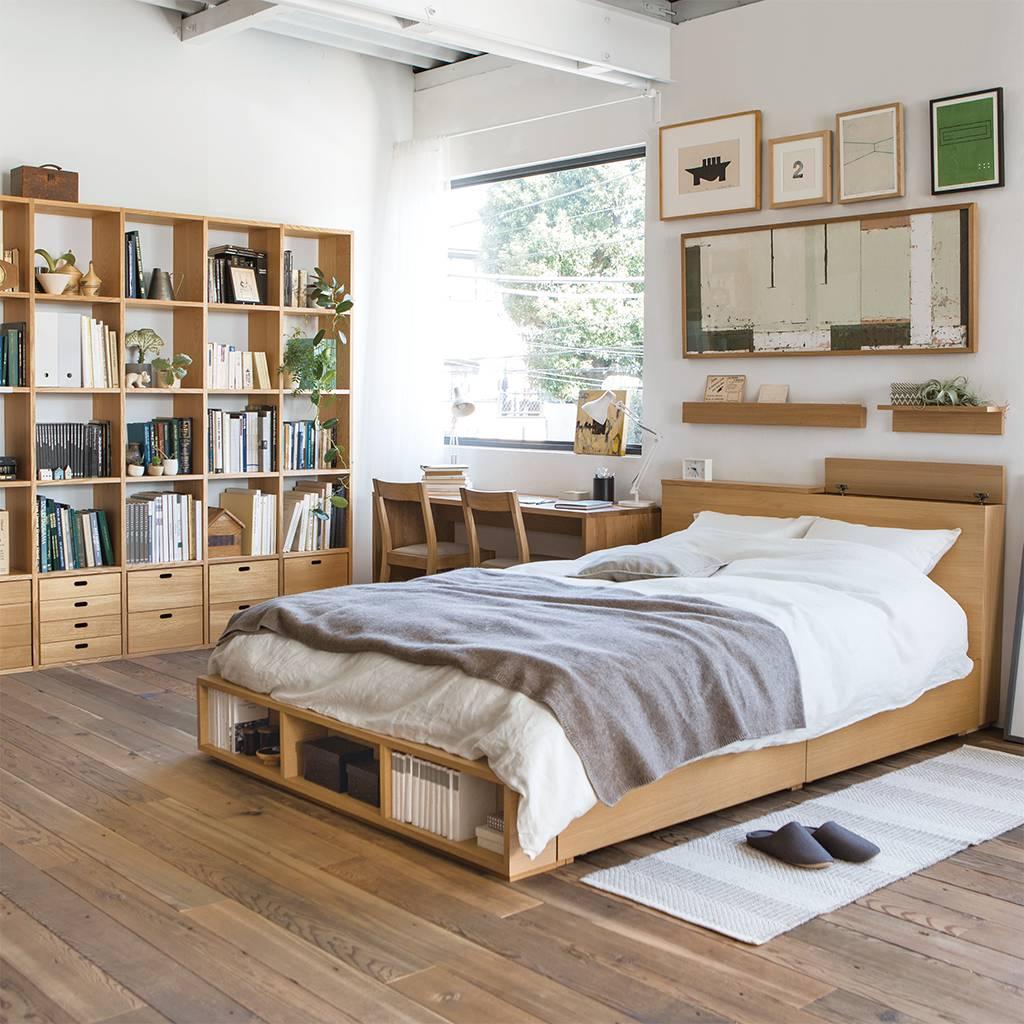 Малогабаритная деревянная кровать
